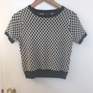 Patterned short sleeve sweater